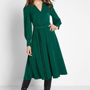 Modcloth Green Classy Announcement ALine Dress